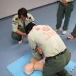 AED(自動体外式除細動器)を車両に搭載。普通救命救急講習修了者を搭乗させています。